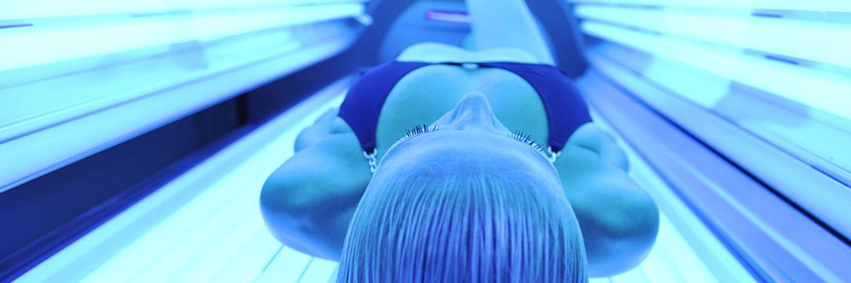 Los rayos UVA producen un bronceado que protege menos de la radiación ultravioleta