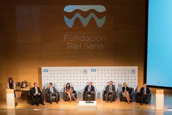 Presentación de la Fundación Piel Sana en Granada